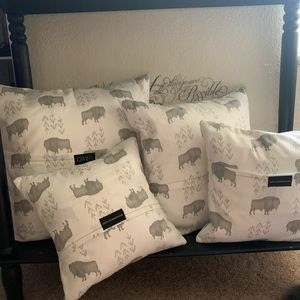 Pillow Covers ( Set of 4)